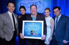 The Cast of Frozen Performed Live in Los Angeles Last Night   Disney Playlist