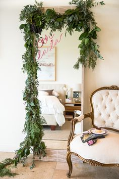 greenery garland on a mirror with lipstick message Flower Mirror, Diy Floral Mirror, Japanese Bed, Bunk Bed With Desk, Greenery Garland, Floral Garland, Oriental Furniture, New Room, Stores