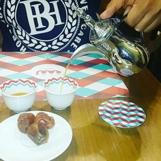 Saudi Coffee serving its best @logmauae @boxpark  #zomatodubai  #zomatouae #dubai #dubaipage #mydubai #uae #inuae #dubaifoodblogger #uaefoodblogger #foodblogging #foodbloggeruae #uaefoodguide #foodreview #foodblog #foodporn #foodpic #foodphotography #foodgasm #foodstagram #instagram #instafood #theshazworld #logma #logmauae #boxpark #emiraticuisine #emirati
