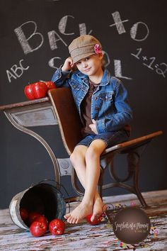 Back To School Party, School Parties, First Day Of School, Back To School Pictures, School Photos, Preschool Photography, Children Photography, Preschool Photo Ideas, Preschool First Day