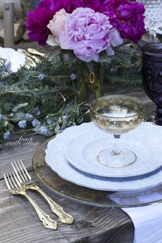 FRENCH COUNTRY COTTAGE: Romantic Holiday Table Setting