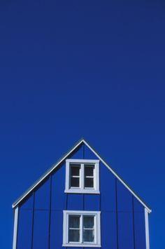 Blue | Blau | Bleu | Azul | Blå | Azul | 蓝色 | Indigo | Sapphire | | Color | Form | Texture | Cobalt barn, same color sky                                                                                                                                                     Mehr