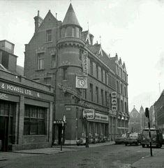 """Dublin History - Grafton Mooney Harry Street now Bruxells Dublin Street, Dublin City, Old Pictures, Old Photos, Harry Street, Grafton Street, Building Front, Images Of Ireland, St Anne"