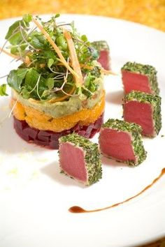 Chilled Herb Crusted Tuna over a red beet, mandarin orang and Avocado chilled salad recipe Meeresfrüchte Seafood Recipes, Gourmet Recipes, Cooking Recipes, Healthy Recipes, Cat Recipes, Gourmet Desserts, Healthy Food, Plated Desserts, Gourmet Foods