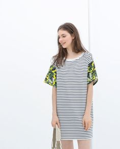 Image 1 of STRIPED DRESS WITH PRINTED SLEEVE from Zara