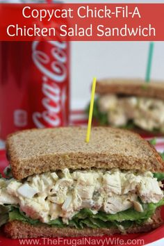 Copycat Chick-Fil-A Chicken Salad Sandwich, this simple and easy Copycat recipe is great when you can't make it out to grab this yummy sandwich! Copycat Chick-Fil-A Chicken Salad Sandwich Stephanie Manley copykatrecipes Copycat Restaurant Recipes C Cat Recipes, Cooking Recipes, Healthy Recipes, Healthy Options, Pizza Recipes, Sandwich Recipes, Sandwich Ideas, Delicious Recipes, Healthy Salads