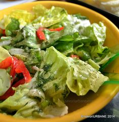 Pui la cuptor reteta simpla si rapida | Savori Urbane Romania Food, Lettuce, Dressing, Chili, Salads, Vegetables, Romanian Recipes, Kitchens, Cooking Recipes
