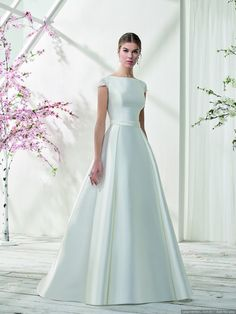 Just for You Collection 2019 Classy Gowns, Dresses Elegant, Elegant Wedding Dress, Perfect Wedding Dress, Bridal Wedding Dresses, Bridal Style, Cute Dresses, Beautiful Dresses, Bridesmaid Dresses
