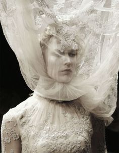 Hauntingly beautiful: Raquel Zimmermann at Alexander McQueen's 'Widows of Culloden' fashion show, Autumn/Winter Alexander Mcqueen, Couture Fashion, Fashion Art, Paris Fashion, Bold Fashion, Fashion Gallery, Dress Fashion, Runway Fashion, Mode Russe