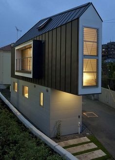 Das schmale Horinouchi-Haus https://www.langweiledich.net/das-schmale-horinouchi-haus/
