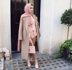 classy long coat hijab chic- Fall hijab outfits in warm colors http://www.justtrendygirls.com/fall-hijab-outfits-in-warm-colors/
