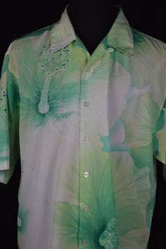 Southpole Mens XL Green Habiscus Hawaiian Button Down Shirt Flower Short Sleeve Button Downs, Button Down Shirt, Flower Shorts, Long Pants, Mens Xl, Printed Shirts, Hawaiian, Party Dress, Hoodies