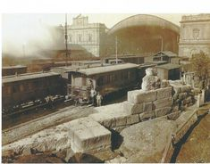 Mura Serviane alla vecchia Termini... Train Stations, Bed And Breakfast, Old Photos, Mount Rushmore, Rome, Italy, Antique, Mountains, Landscape