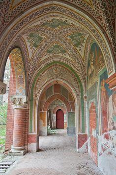 Castello con Affreschi, Italy