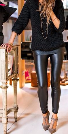 textured sweater // long necklaces // leggings