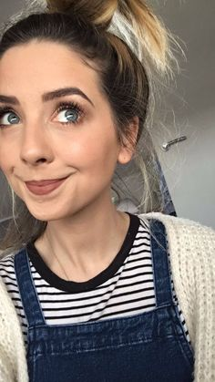 Find images and videos about zoella and zoe sugg on We Heart It - the app to get lost in what you love. Zoella Makeup, Zoella Beauty, Beauty Makeup, Hair Makeup, Beautiful Lips, Beautiful People, Zoe Sugg, Tanning Tips, Girl Online