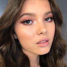Preparing for Spring: Small but Make-Up Makeup Tips - Makeup Looks 💄 Natural Makeup For Teens, Natural Makeup Looks, Simple Makeup, Natural Hair, Natural Brown, Colorful Makeup, Light Makeup For Teens, Natural Makeup Brands, Natural Summer Makeup