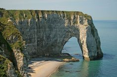 POUL WEBB ART BLOG: Artists at Étretat, France - part 1