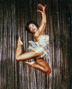 The Occidental Dancer: Photo du jour: Eartha Kitt performing in Las Vegas 1955.