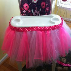 First Birthday High Chair Tutu... Omg @ellenhassell!! H may need one of these in our theme colors!!!!!! ;)