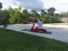 Yoga Vacation with AKSHARA YOGA SCHOOL is vacation to fresh up your mind and body. Its a special course designed to give you a objective of your life and lite your mind with deep light of YOGA. 10days Yoga Vacation helps you to find your inner peace and objective of your life.  #Yoga #10dayYoga #YogaVacations #YogainIndia #BestYoga #YogaReshikesh