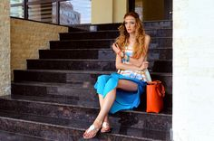 Fashion loves hippie #fashion #fashionblogger #style #streetstyle #summer #beach #sea #seaside #outfit #hippie #colours #rainbow #blue #orange #pink #brides #waves #bracelets #comfortable #natural #cotton #makeup #wing #eyewing Hippie Fashion, Women's Fashion, Orange Pink, Fashion Bloggers, Summer Beach, Seaside, Outfit Of The Day, Brides, Waves