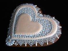 Cookie Box, Royal Icing, Cookie Decorating, Needlepoint, Cupcakes, Plates, Cookies, Tableware, Gifts