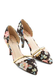 Arrange the Itinerary Heel. Youre the hostess with the most style as you lead your friends through your citys most popular attractions in these black heels! #black #wedding #modcloth