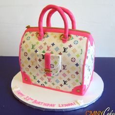 #Pink & #White #Louis #Vuitton #Handbag #Cake - We love and had to share! Great #CakeDecorating!