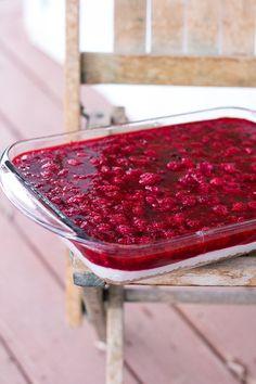 Raspberry pretzel jello salad, good side dishes, jello, Thanksgiving side dish ideas, Christmas eve dinner, desserts, recipes