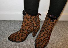 New boots from Zara and some bling from H #lionsandwolves #fashionblogger #leopardboots #leopardprint #HM #zara #ankleboots