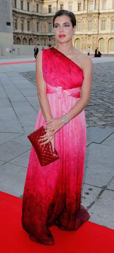 Carlota, espectacular vestida de gala en el Museo del Louvre