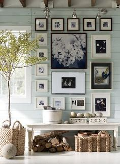 Zillow Digs - Home Design Ideas, Photos, and Plans Home decoration polka dots interior picture wall Pottery Barn Paint, Inspiration Wand, Hallway Inspiration, Design Inspiration, Interior Inspiration, Daily Inspiration, Fashion Inspiration, Home And Deco, Photo Displays