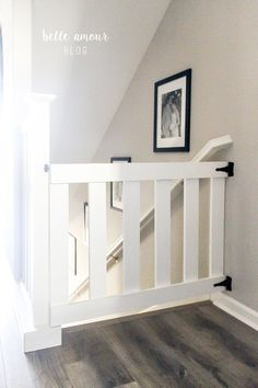 Baby Gates: A necessary evil if you have little ones .- Baby Gates: Ein notwendiges Übel, wenn du kleine hast … Baby Gates: A necessary evil if you have small … - Diy Dog Gate, Diy Gate, Diy Baby Gate, Baby Gate For Stairs, Barn Door Baby Gate, Tall Stair Gate, Staircase Gate, Wooden Stair Gate, Top Of Stairs Gate