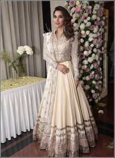 10 wedding wears of Manish Malhotra that come straight out of a fairytale! 3929bbf69305