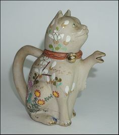 Old Japanese Banko Ware Maneki Neko Welcome Cat Teapot enameled Floral & Bugs