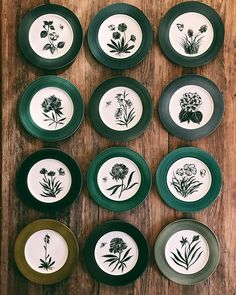 Se van. 💚🖤#vscocam #vsco #onthetable #love #beauty #inspiration #decor #homedecor #home #house #diseño #design #interiordesign #interior #arte #art #painting #pottery #ceramics #cerámica #vajillas #vajilla #porcelana #porcelain