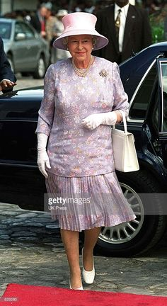 Britain's Queen Elizabeth visits Sam Sharpe Square February 20, 2002 while on a…