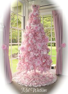 Pink Christmas Tree SO PRETTY AND THE TIE BACKS ON THE DRAPES OH THIS IS SO BEAUTIFULLY DECORATED