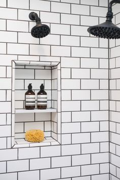 White Shower Tiles With Black Grout - Design photos, ideas and inspiration. Amazing gallery of interior design and decorating ideas of White Shower Tiles With Black Grout in bathrooms, laundry/mudrooms by elite interior designers. White Tiles Black Grout, White Subway Tile Bathroom, Subway Tile Showers, Small Bathroom, Grey Grout, Bathroom Black, White Bathrooms, Bathroom Showers, Luxury Bathrooms