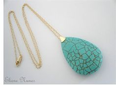 Colar semi jóia com gota de turquesa natural