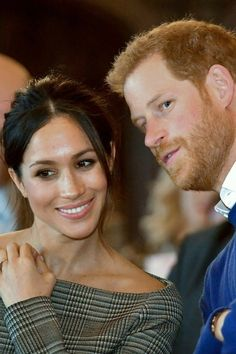 Prince Harry and Meghan Markle are set to visit England this coming week, but where will they stay? Prince Harry Et Meghan, Meghan Markle Prince Harry, Princess Meghan, Prince And Princess, Prinz Harry Meghan Markle, Harry And Megan Markle, Kate And Meghan, Harry And Meghan, Prince Harry
