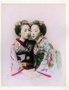 Adolfo Farsari (1841-1898) - A. Farsari & Co. Yokohama Studio  Two maiko, Japan - Hand colored bromide - 1880s