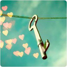Les gens cherchent désespérément la clé du bonheur alors qu'il n'y a pas de serrure... J.Sterberg