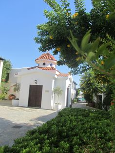 St Savvas Kefalos Beach, Beach Weddings, Mansions, House Styles, Home Decor, Weddings At The Beach, Decoration Home, Manor Houses, Room Decor