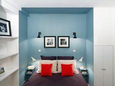 """<p style=""""text-align: left;"""">En peignant le renfoncement de couleur bleu, la décoratrice a crée une alcôve pour la partie lit. Cet espace «<a href=""""http://www..."""
