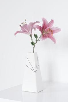 Scandinavian • Decoration • Flower • Lily • Vase