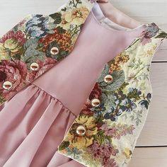 Chiffon hi-low baby dress and jacquard vest by FillesEnFleur...abito da bambina color malva con fondo asimmetrico abbinato al gilet dallo stile vintage, tutto dalla nuova collezione autunno inverno ♡ #cute #fashion #beautiful #love #style #baby #babyclothing #fashionkids #fashiontoddler #toddlerclothing  #babygirl  #girl #madeinitaly #handmade #instafashion #instakids #creativemamy #notonlymama #etsyshop #instamamme_kids #mammaiutamamma #womoms_kids #vintagestyle #im_crafty