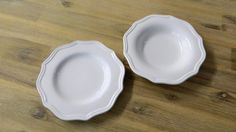 Divermenti side plate on the left and pudding bowl on the right Side Plates, Pie Dish, Dinnerware, Pudding, Ceramics, Dinner Ware, Ceramica, Pottery, Tableware