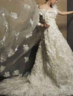 Yumi Kutsura, Japan & Paris - Bridal Collection gowns to rent AK-10091 (T)(O)